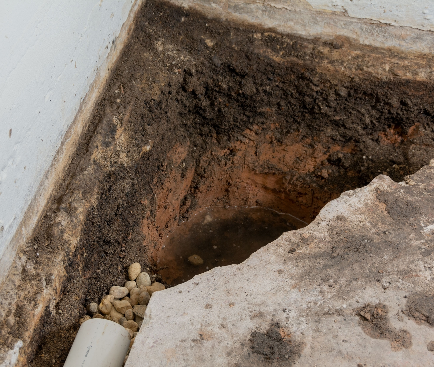 Waterproofing Wet And Leaking Basements With Seepage In